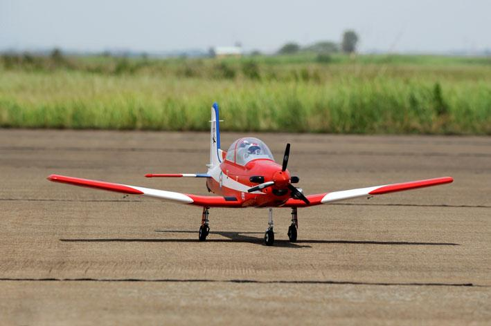(TPM07) PHOENIX TOP MODEL PILATUS PC-9 FOR 15-20CC ENGINES